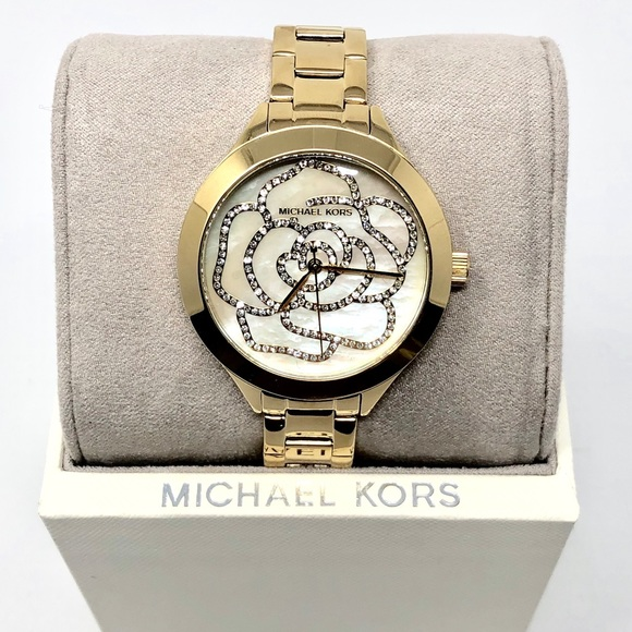 LAST ONE! Michael Kors Gold Tone Watch NWT MK3992 NWT